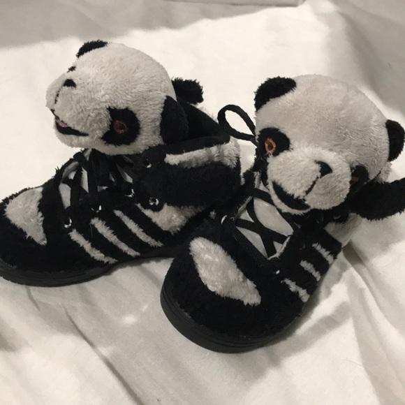 ❤️Host Pick❤️ Jeremy Scott Adidas Panda Shoes </p>                     </div>   <!--bof Product URL --> <!--eof Product URL --> <!--bof Quantity Discounts table --> <!--eof Quantity Discounts table --> </div>                        </dd> <dt class=